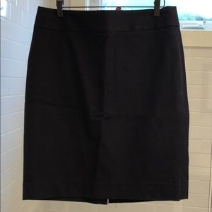 BR navy pencil skirt TIMELESS style
